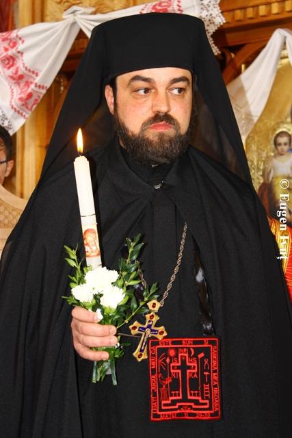 Primirea Schimei celei Mari la Manastirea din Sumal,