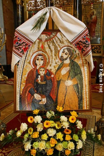 Prezentarea icoanei Sfintei Familii din Nazaret,