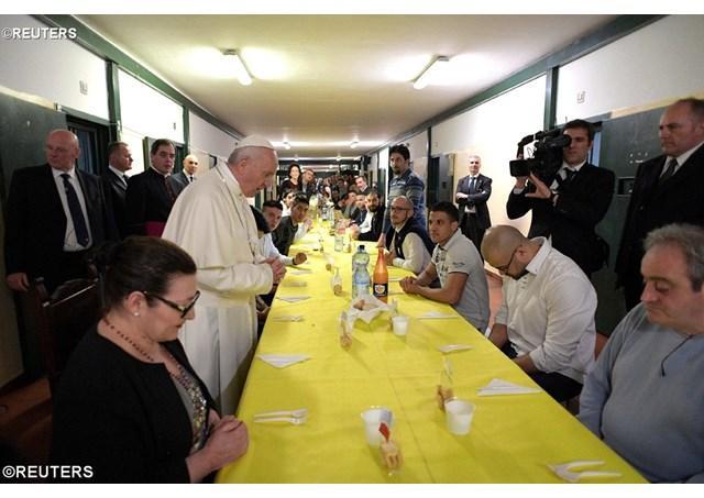 Papa Franisc la Milano: aduceti binecuvântare în locurile abandonate,