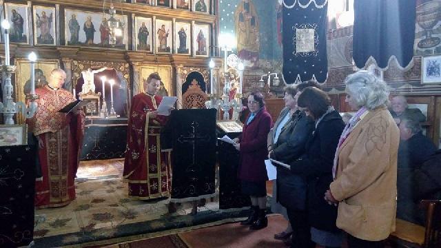 """""""Primire de noi membri în Reuniunea Mariana ,,Maria Imaculata"""" din Sîntandrei"""","""