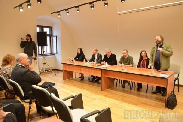 """""""În Cetatea Oradea a fost deschisa expozitia """"Rezistenta si represiune în Bihor"""", în memoria victimelor comunismului din judet"""","""