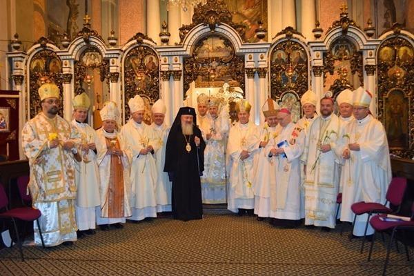 """Episcopii catolici au celebrat Liturghia în Catedrala """"Schimbarea la Fata"""","""