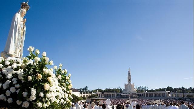 """""""Fatima, a prevazut un milion de persoane pentru papa. Nicio polemica pentru al treilea secret"""","""