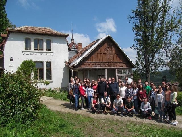 """""""Renovarea Casei Memoriale """"Iuliu Maniu"""", vazuta prin ochii unor studenti clujeni ca început al dezvoltarii turistice a satului Badacin"""","""