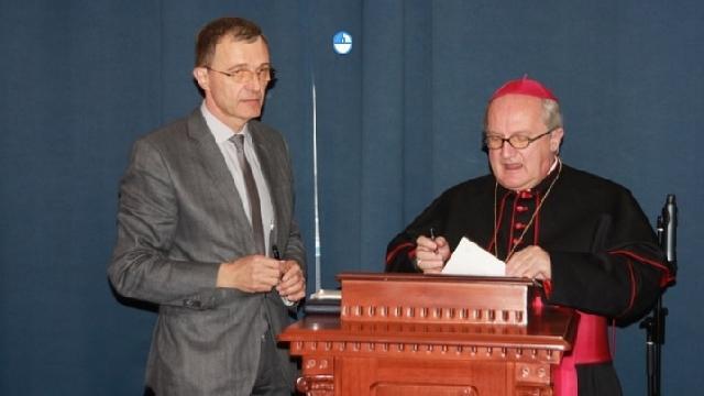 Acord istoric între Universitatea Papei si UBB,