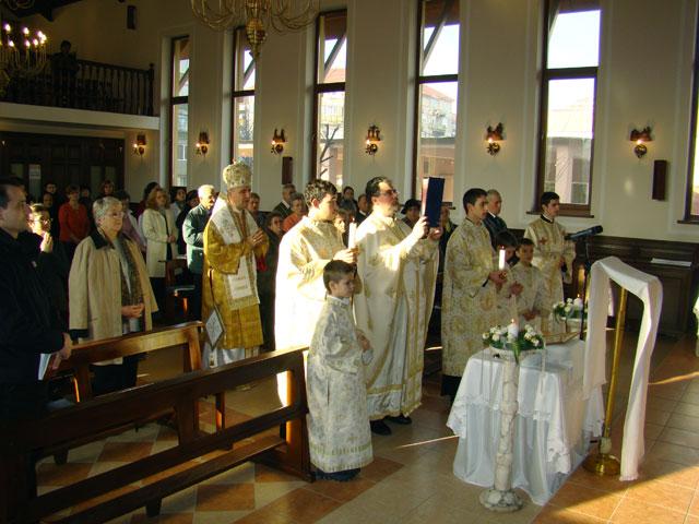 """""""P.S. Virgil Bercea a celebrat Sfânta Liturghie la biserica din Iosia-Nord, Oradea (Centrul Don Orione)"""","""