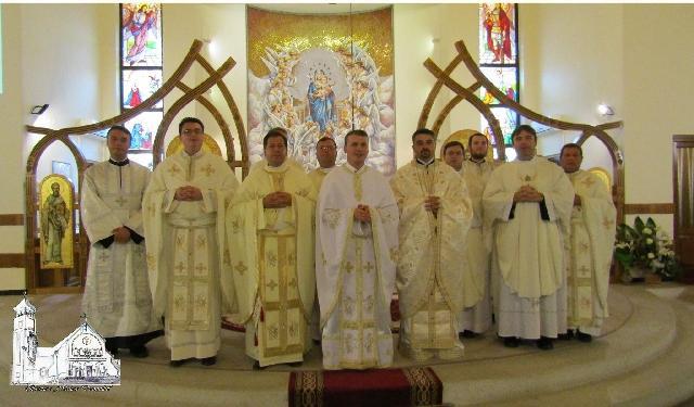 """Liturghie de investire a noului paroh de la """"Adormirea Maicii Domnului"""" din Oradea,"""