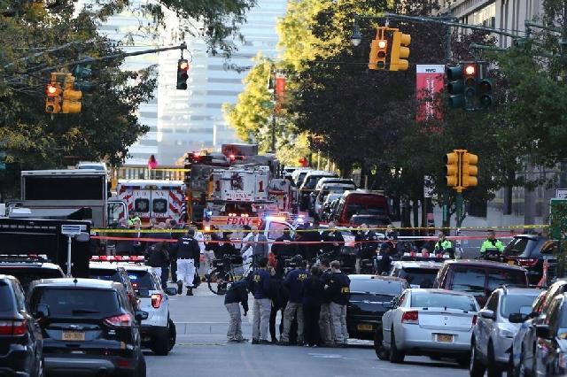 Papa îndurerat din cauza atacurilor teroriste,