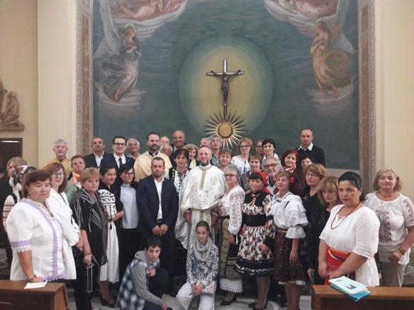 """""""Sarbatoare în parohia Roma Nord, festivalul ,,Româncuta în Bucatarie"""" la a sasea editie"""","""