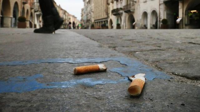 Papa opreste vânzarea de tigari în Vatican,