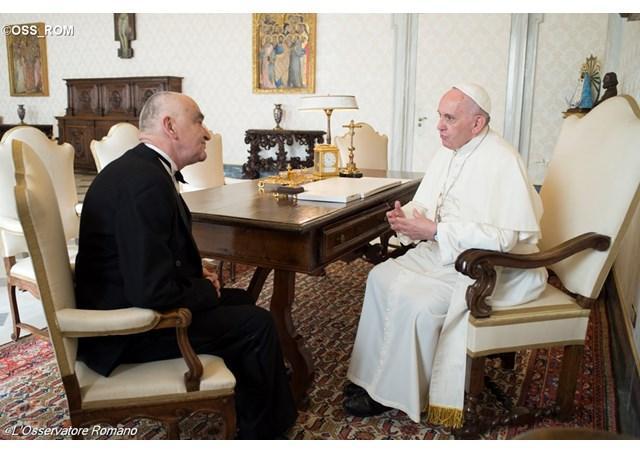 """Asteptata vizita a papei Francisc în România a primit """"un accent mai clar"""": ambasadorul Liviu-Petru Zapîrtan,"""