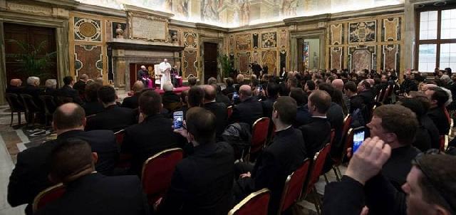 Participantii la cursul despre noile proceduri matrimoniale în audienta la Papa,