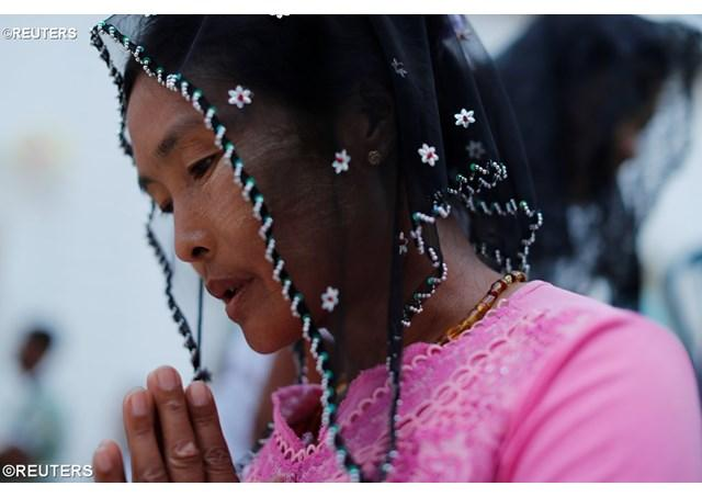 """Ranile lui Isus, izvorul adevaratei tamaduiri: papa Francisc, la Sfânta Liturghie de la Yangon"","