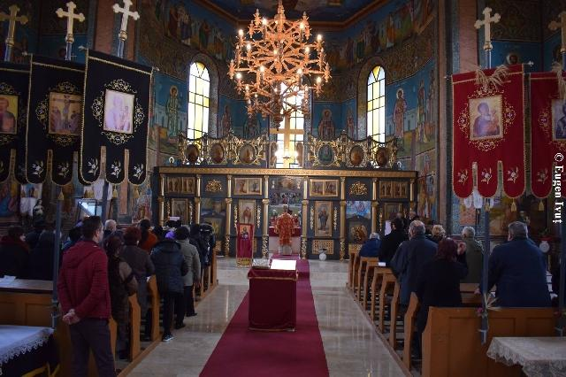 "Inaugurarea Centrului Cultural Catolic ""Episcop Iuliu Hirtea"" la Vintere,"