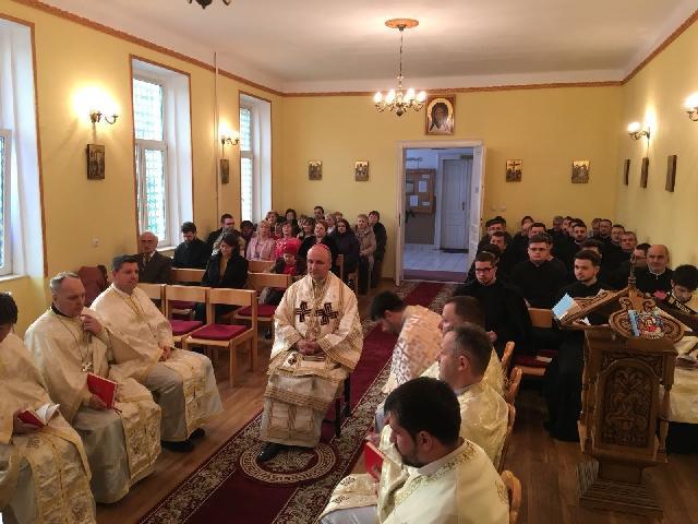 """Hramul Seminarului Sintii Trei Ierarhi """"Vasile Grigorie si Ioan"""" Oradea,"""