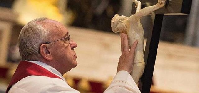 Papa Francisc: Primul altar crestin a fost Crucea,