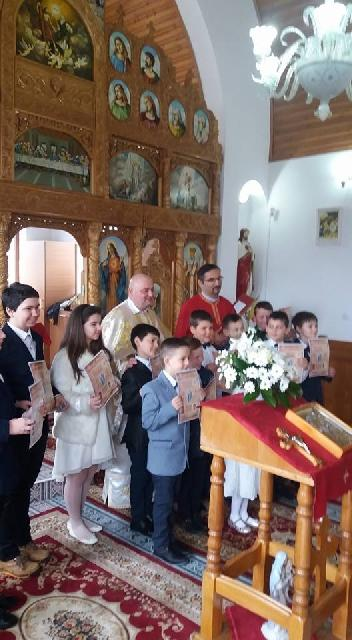 Prima Împartasanie solemna în Parohia Suplacu de Barcau,