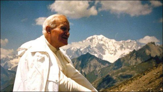 Card. Dziwisz: Sfântul Ioan Paul al II-lea nu înceteaza sa ne vorbeasca,