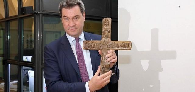 """""""În Bavaria, cladirile guvernamentale vor avea o cruce la intrare"""","""