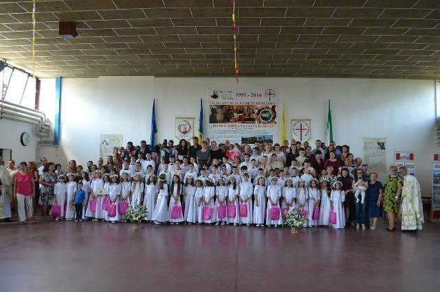 "Prima Spovada si Sfânta Împartasanie Solemna la Liceul ""Don Orione"" din Oradea,"