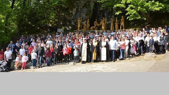Pelerinaj comun al credinciosilor greco-catolici români de la Paris si Roma la Lourdes,