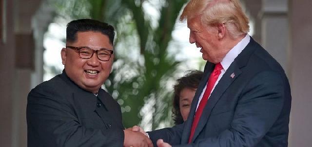 """""""Bucurie la întâlnirea Trump-Kim, în timp ce rugaciunile continua"""","""