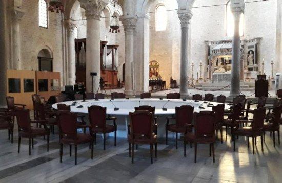 """""""Întâlnirea de la Bari. Papa si patriarhii, doua ore de dialog despre Orientul Mijlociu sub semnul unei """"sinodalitati deschise la lume"""""""","""
