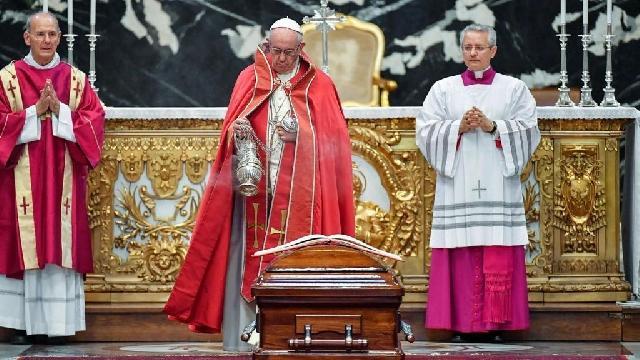 """""""Funeraliile cardinalului Jean-Louis Tauran, cel care a anuntat, în 2013, """"Habemus Papam"""""""","""