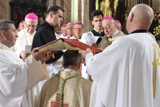 Hirotonirea noului episcop romano-catolic de Timisoara,