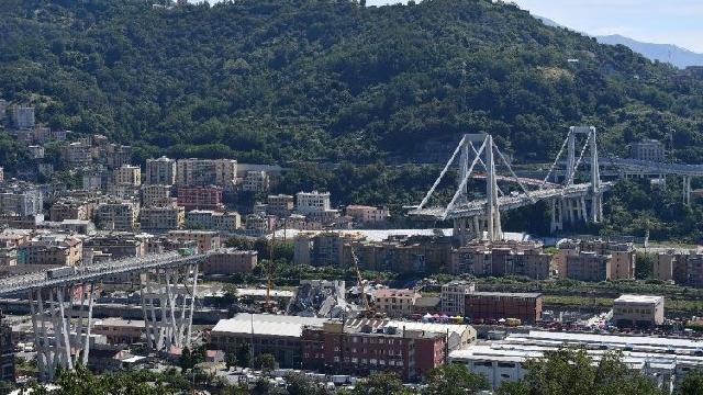 Rugaciunea papei pentru victimele tragediei de la Genova,