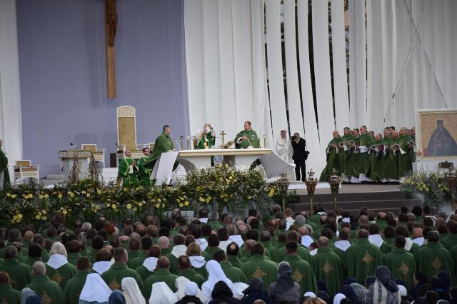 Sfântul Parinte în inima Lituaniei,