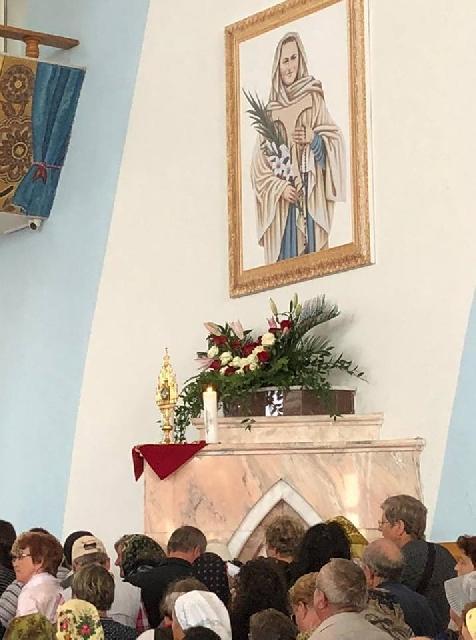Pelerini din Oradea la Ceremonia de beatificarea fecioarei martire Veronica Antal,