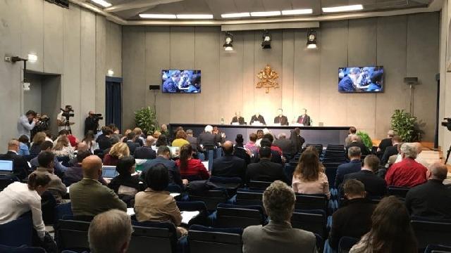 """""""Sinodul despre tineri, o adevarata provocare pentru întreaga Biserica"""","""