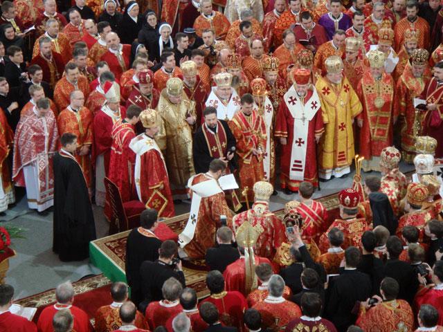 """""""Ceremonia de întronizare a noului Arhiepiscop Major de Kiev, Sviatoslav Sevciuk"""","""