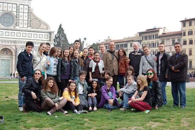 """Corul de camera """"Fiat Lux"""" în turneu în Italia,"""