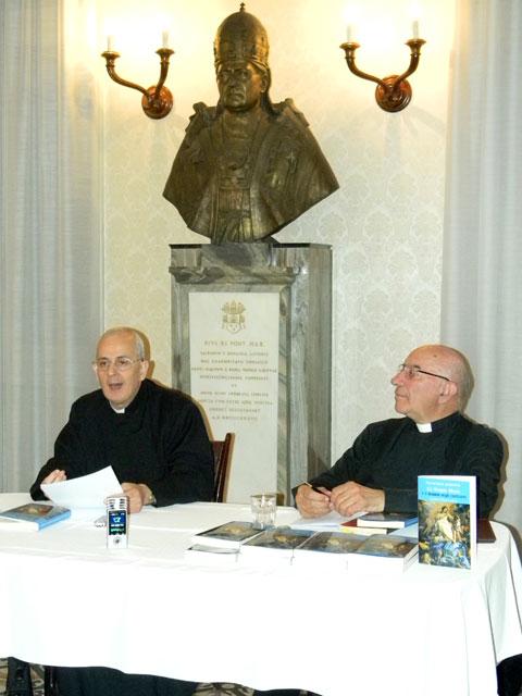 """Lansare de carte la Colegiul """"Pio Romeno"""" din Roma,"""