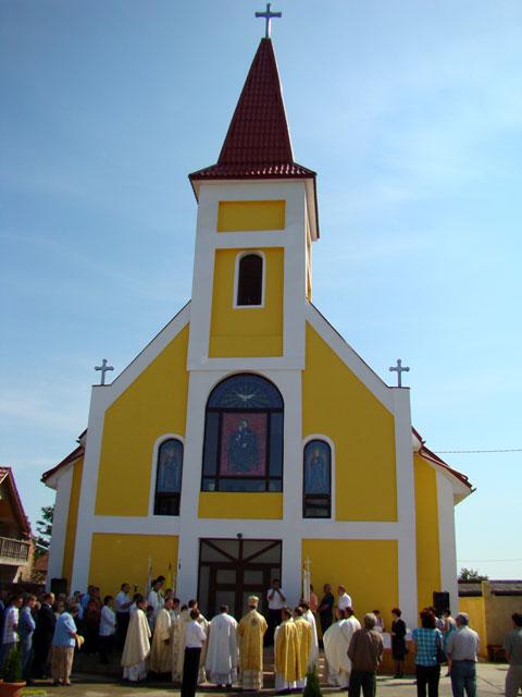 Sfintirea bisericii din Valea lui Mihai,