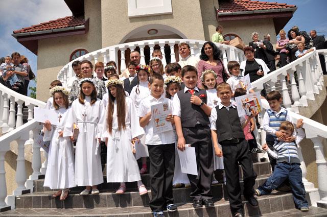 """Prima Sfânta Spovedanie si Împartasania Solemna în Parohia """"Sfântul Gheorghe"""" din Oradea,"""