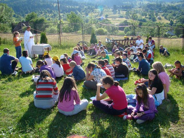 Congregatia Don Orione a oferit o tabara pentru 50 de copii oradeni,