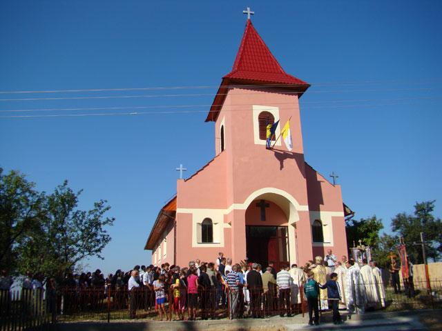 Sfintirea bisericii din Hodisel,