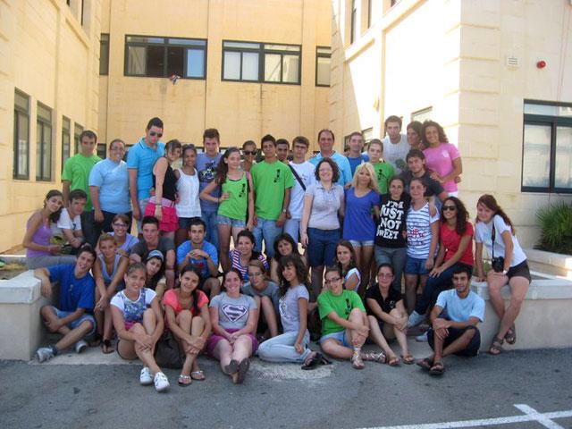 Voluntari de la Liceul Greco-Catolic si Biroul Pastoral în Malta,