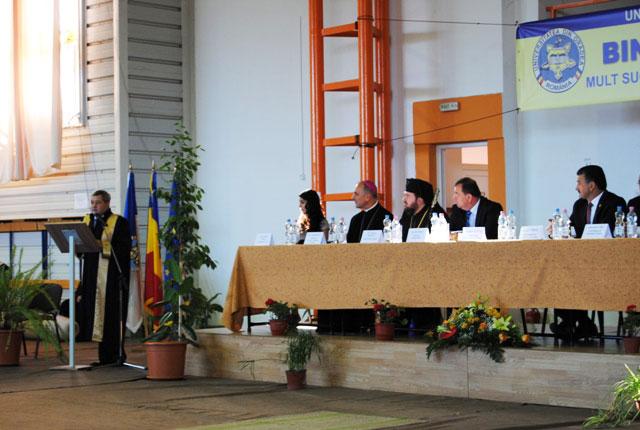 Universitatea din Oradea si-a deschis ieri portile,