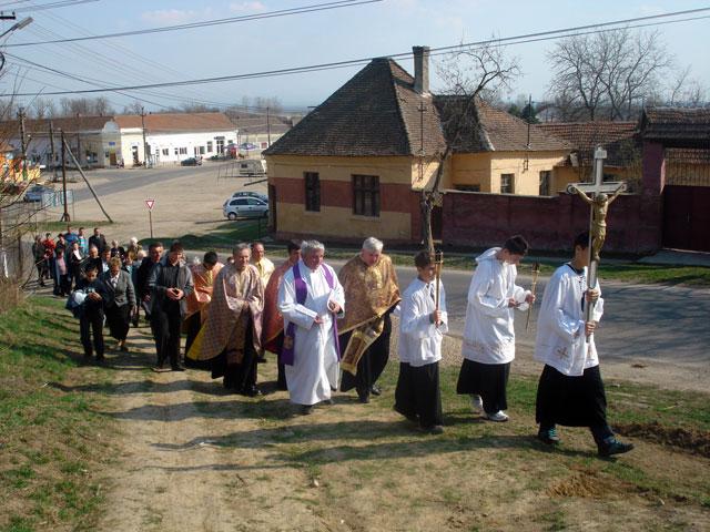 Calea Crucii la Tinca,