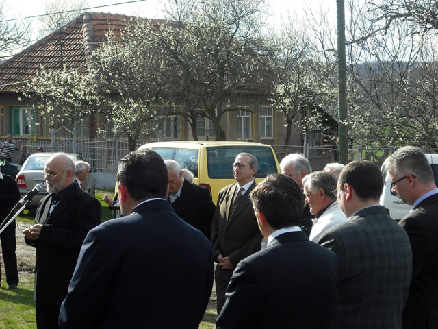 Dezvelirea unei placi comemorative la Racova (SM) în memoria parintelui Ioan Miclea,