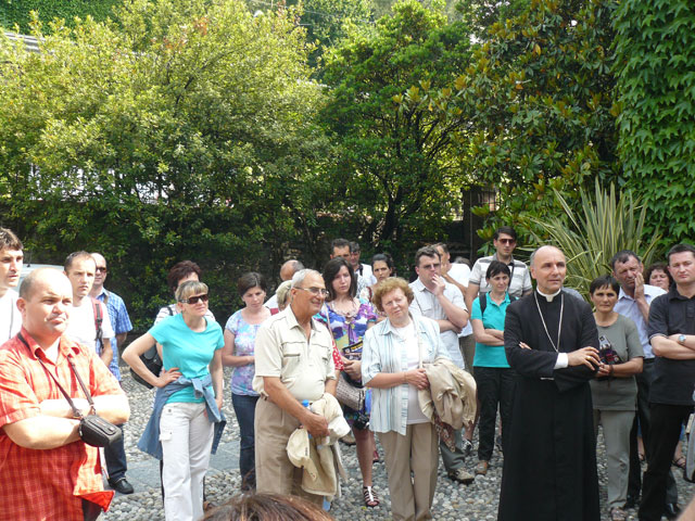 """Întâlnirea familiilor din Oradea cu Sfântul Parinte în cadrul """"Celei de-a VII-a Întâlniri Mondiale a Familiilor"""" de la Milano,"""