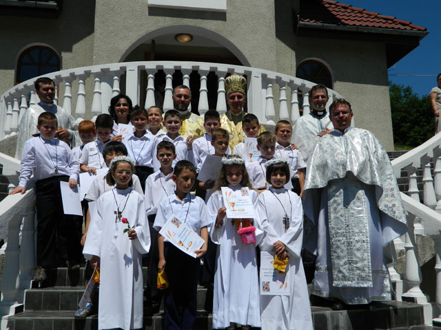 "Prima Spovada si Împartasanie Solemna la Biserica ""Sfântul Gheorghe"" din Oradea,"