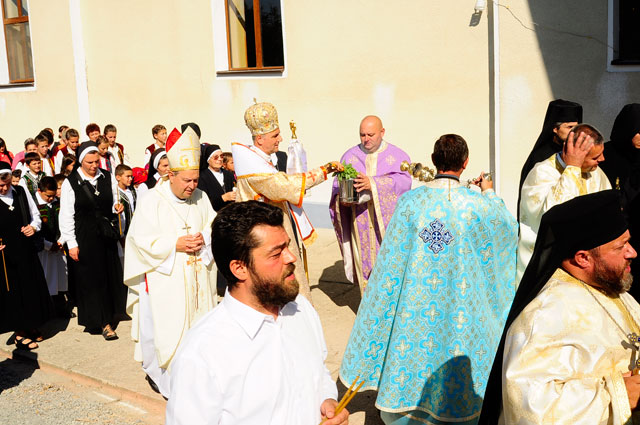 Resfintirea Manastirii din Sumal dupa restaurare si acordarea tonsurii calugaresti,