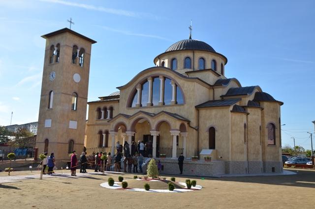 """""""Sfintirea bisericii din cartierul Velenta, Oradea"""","""