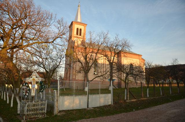 """Comunicat de presa: Parohia Greco-Catolica din Vintere, Bihor, a fost pusa în posesia bisericii din localitate"","
