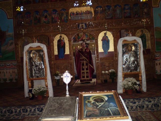 Celebrarea Sfintei Liturghii greco-catolice în Biserica din Vintere,